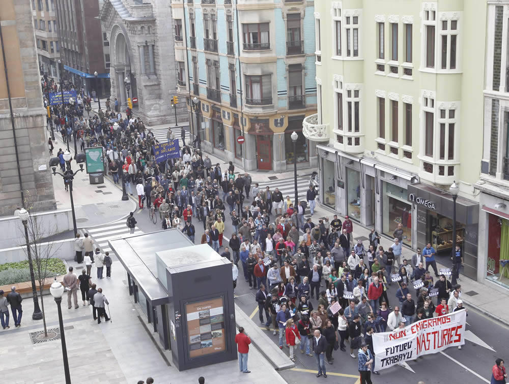 Manifestaci&oacute;n en Gij&oacute;n por un trabajo y un salario digno