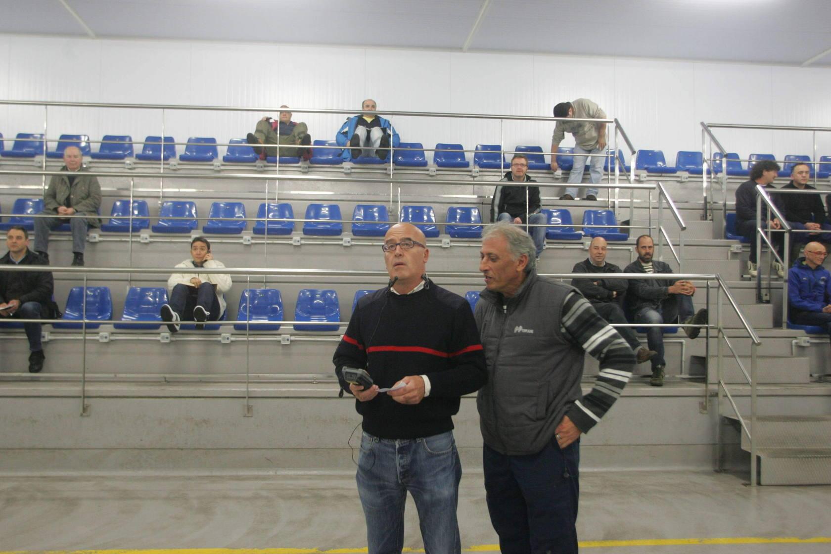 La primera subasta de bonito de 2013 en Gijón