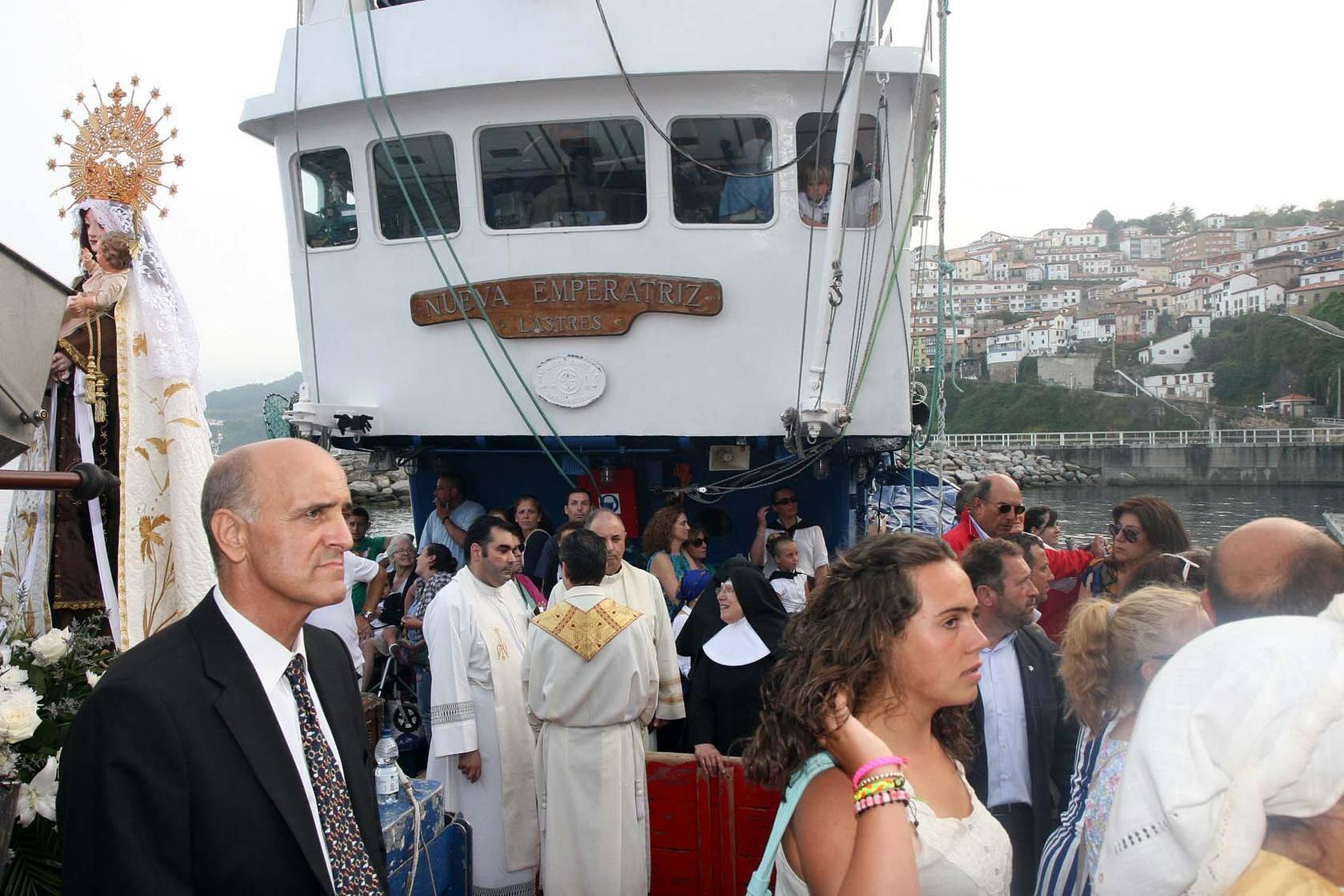 Las imágenes de la procesión de la virgen del Carmen en Lastres
