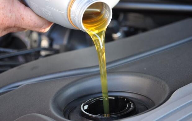 Revisión, cambio de aceite y filtro