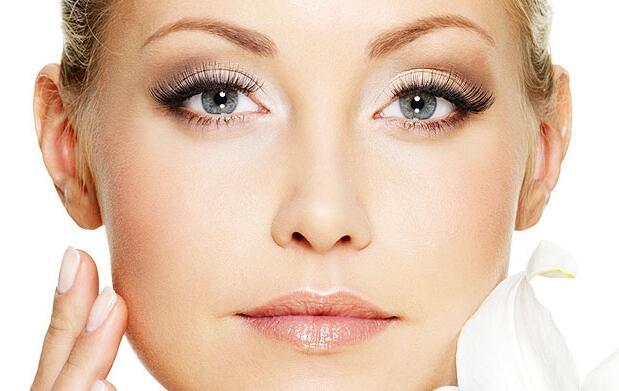 Limpieza facial o manicura con parafina