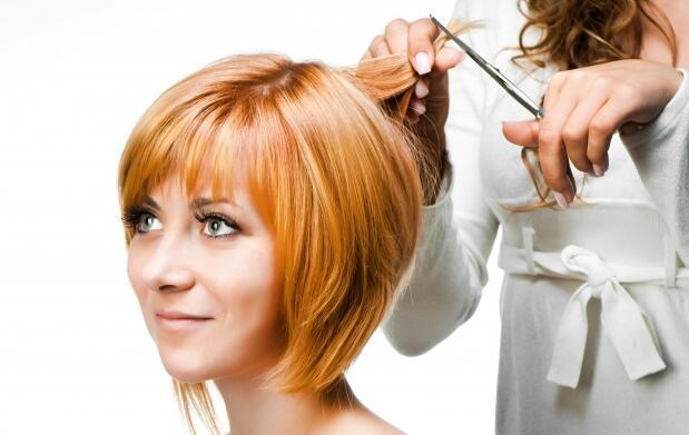 Corte o color,  tratamiento y peinado