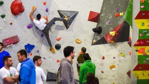 Escalada en el rocódromo Indoorwall