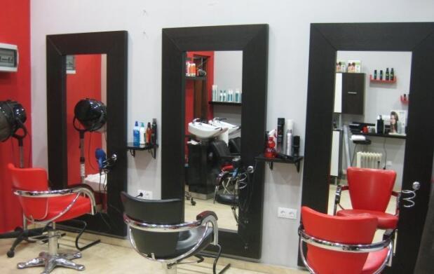 Sesión de peluquería con pelicura