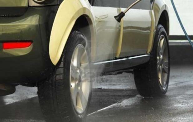 Lavado manual de automóviles