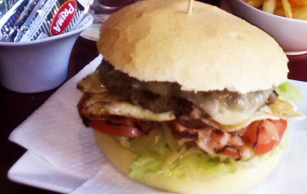 Menú hamburguesa para 2 por 10€