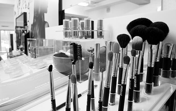 Tratamiento oro facial, manicura y pedicura