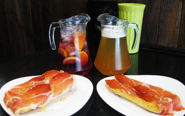 2 Maxi tostas de jamón y bebida