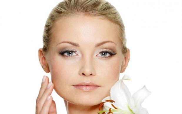 ¿Celulitis, deshidratación o arrugas faciales?