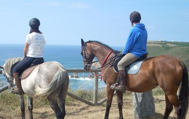 Ruta a caballo o clase equitación
