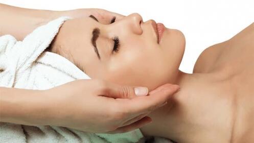 Higiene facial completa con tratamiento de rejuvenecimiento
