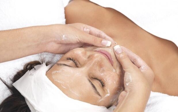 Limpieza facial y peeling con masaje Kobido