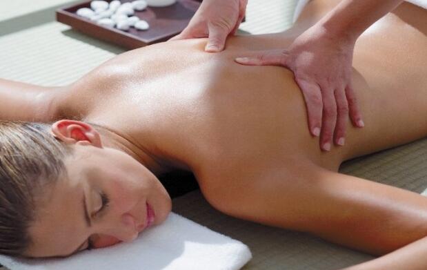 Masaje de espalda o reflexología podal: 1 o 3 sesiones