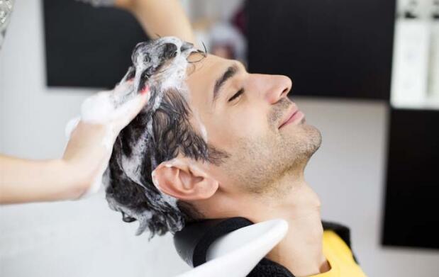Sesión de peluquería para hombre y mujer