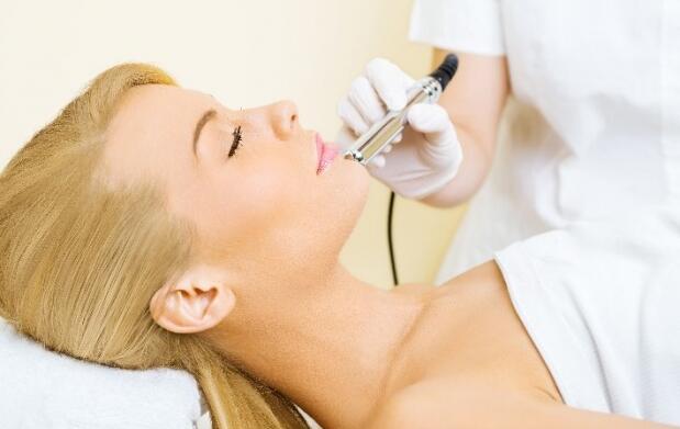 Radiofrecuencia facial Indiba con vitamina A