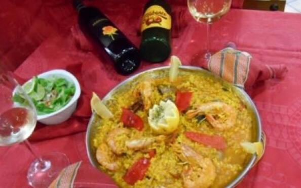 Centollo del Cantábrico o menú de paella de marisco para dos