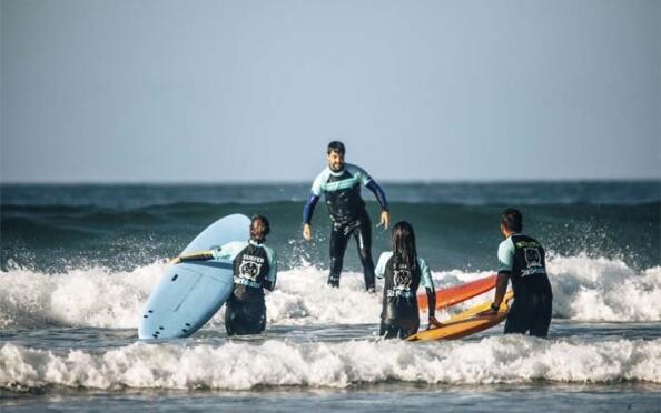Cursos surf o paddle surf adultos o campamentos infantiles