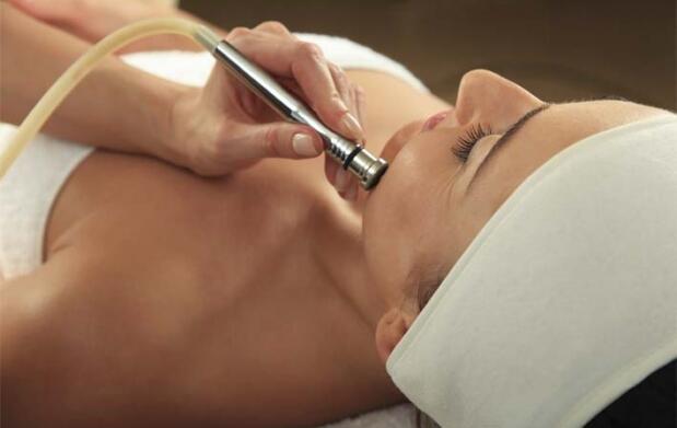Tratamiento facial con mesoterapia virtual