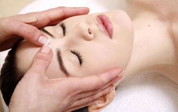 Limpieza facial con ultrasonido