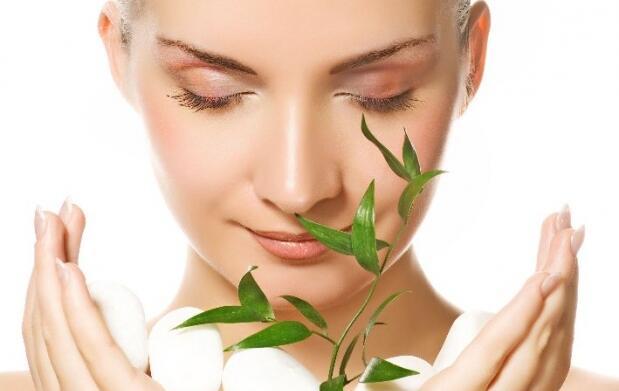 Limpieza facial al aceite de caléndula