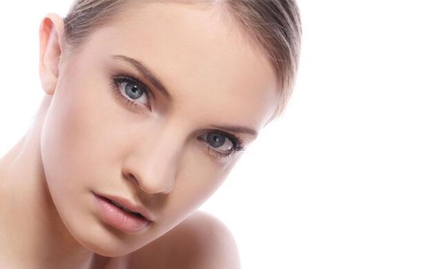 Tratamiento, limpieza de cutis y cejas