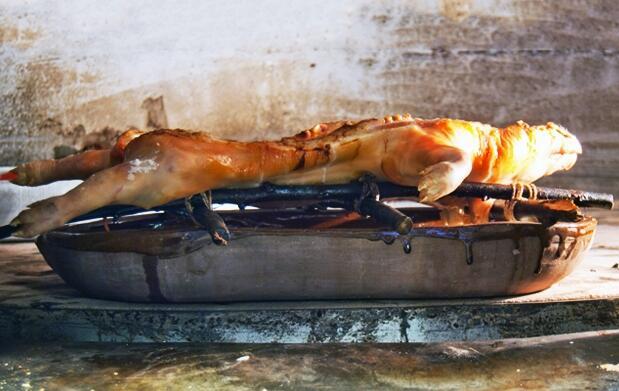 Cochinillo asado en horno leña para 2