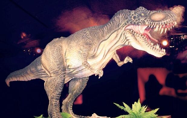 Exposición Neandertal y dinosaurios