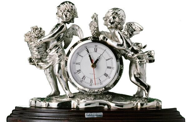 Reloj bañado en plata de ley