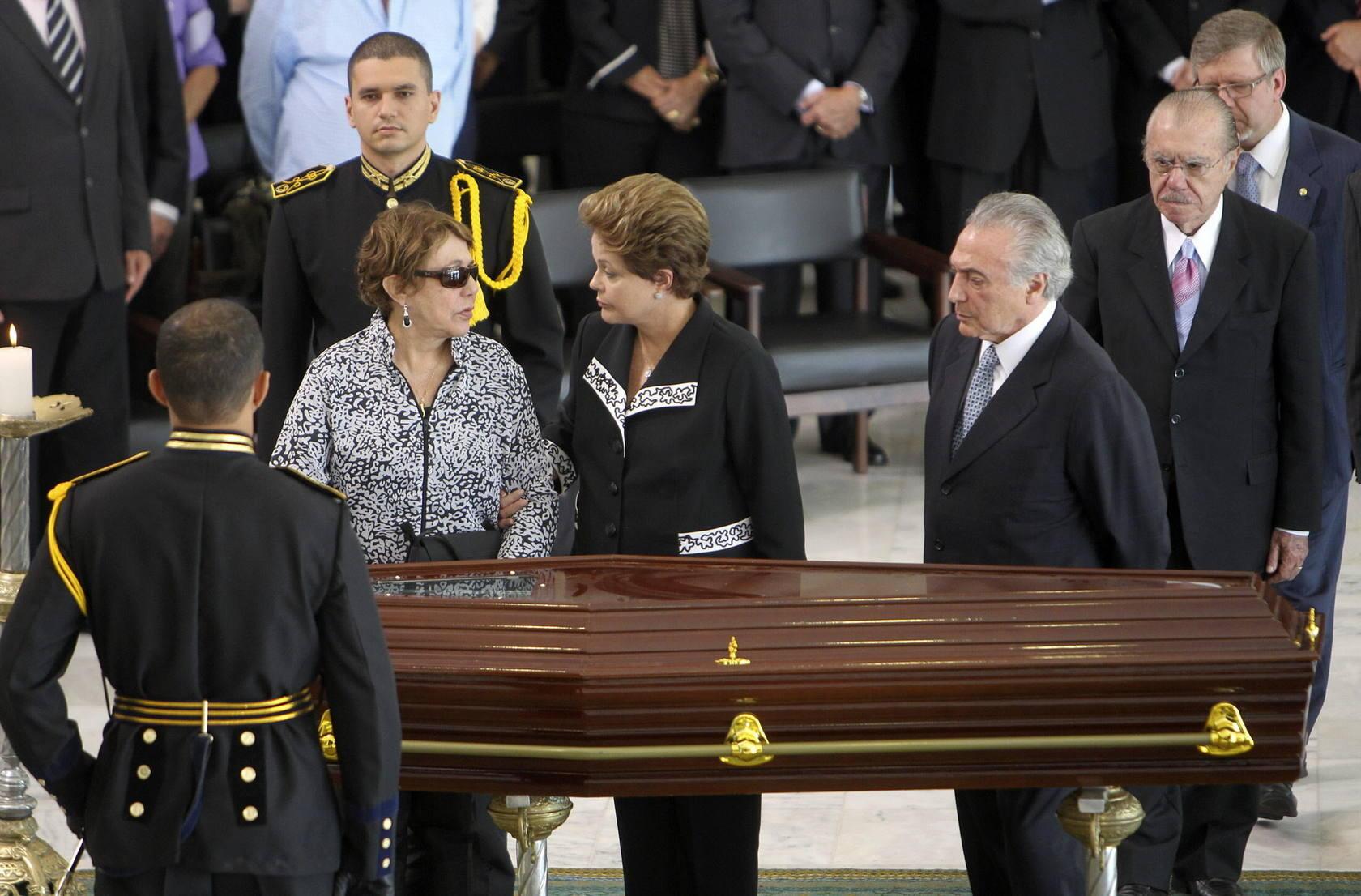 Brasil llora la muerte de Oscar Niemeyer