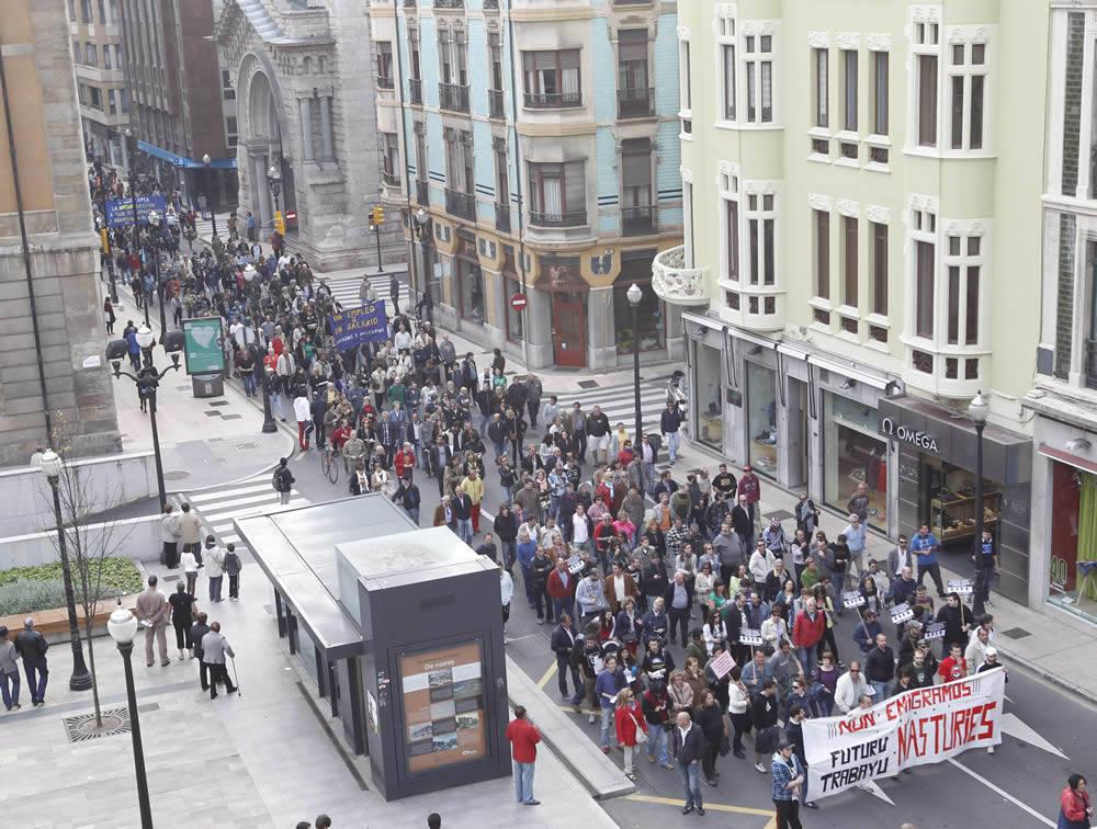 Manifestación en Gijón por un trabajo y un salario digno