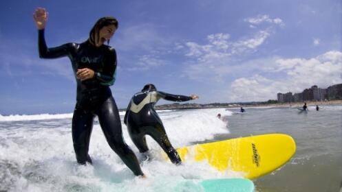 Clases de surf en otoño