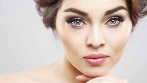 Diseño y depilación de cejas y labio superior
