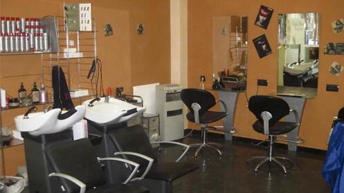 Sesión de peluquería con tinte