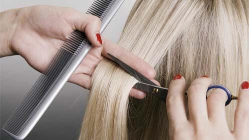Sesión de peluquería con tratamiento hidratante