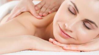 Exfoliación corporal con polvo de perlas y masaje californiano