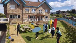 Camp de surf + Inglés + Sostenibilidad medioambiental