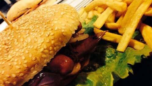 Menú para dos con hamburguesa