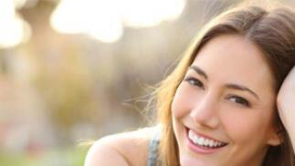 Revisión dental + Limpieza y blanqueamiento dental