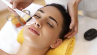 Limpieza facial con espátula de ultrasonidos