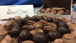 Disfruta de la confitería Ovetus con recogida en sus tiendas o entrega en Oviedo ciudad