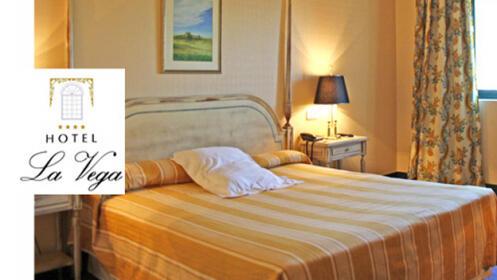 Noche de lujo con desayuno para dos en el Hotel La Vega 4*