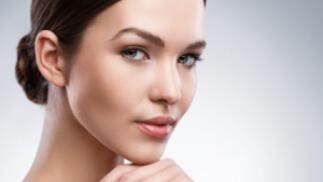Tratamiento facial hidratante o antiedad con ácido hialurónico