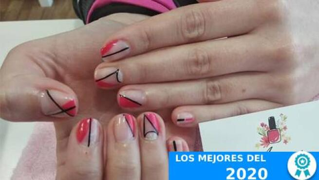 Manicura normal o semipermanente con opción a pedicura