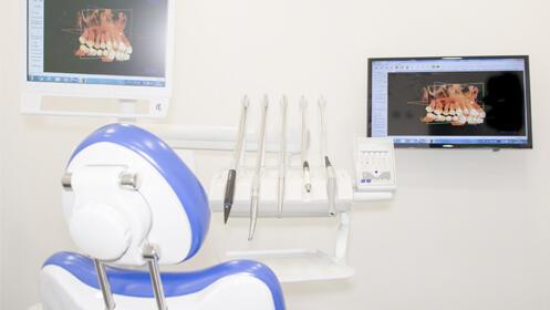 Limpieza con fluorización u ortodoncia con Brackets metálicos o cerámicos