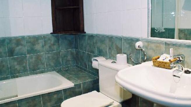 Alojamiento y visita a quesería en Villaviciosa
