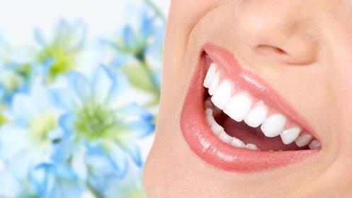 Limpieza dental con fluoración