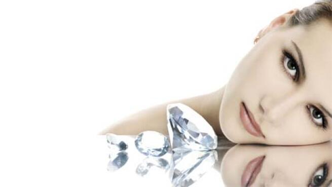 Microdermoabrasión facial con tratamiento de vitamina E y Aloe Vera
