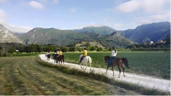 Ruta de 3 horas a caballo por la ribera del Sella